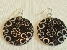 Black and white flower shell earrings